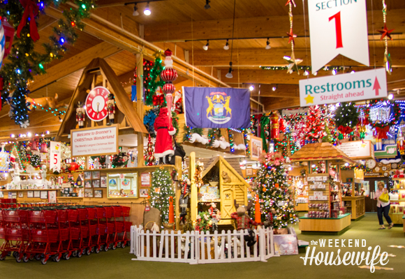 the weekend housewife bronners christmas wonderland christmas in july frankenmuth mi