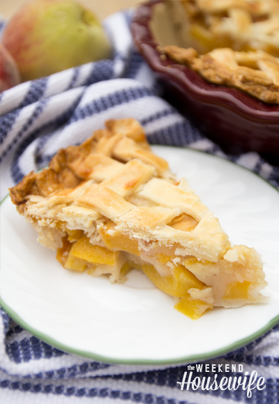 The Weekend Housewife - Baking Peach Pie Recipe