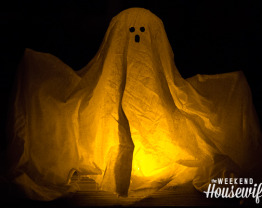 The Weekend Housewife - 13 Days of Halloween - Fabric Ghost with Starch
