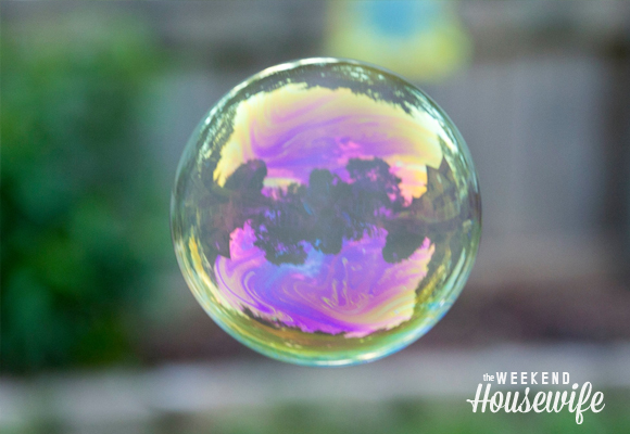 The Weekend Housewife - Lens Day Wednesday - Bubble Photography